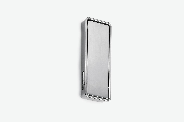 Maniglia tira porta per porta a battente filo muro